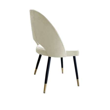 Gepolsterter Stuhl LUNA aus elfenbeinfarbenem Material MG-50 mit goldenem Bein